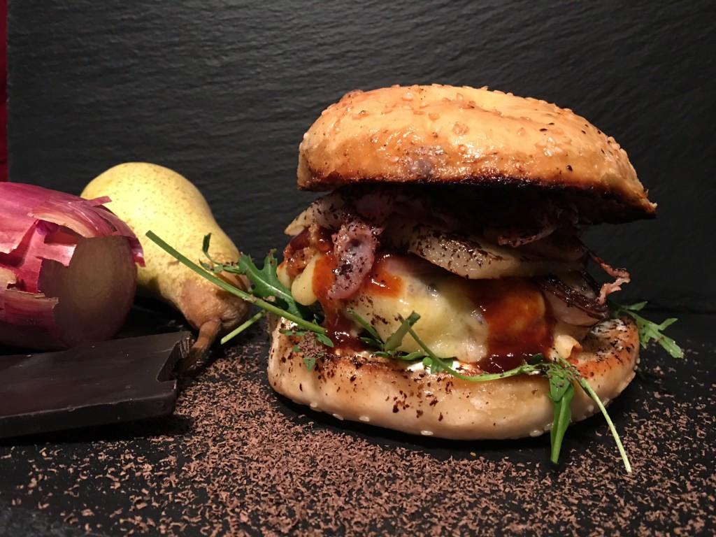 BBB - Cheese Burger mit Bacon, Birne, Beef und Schokolade