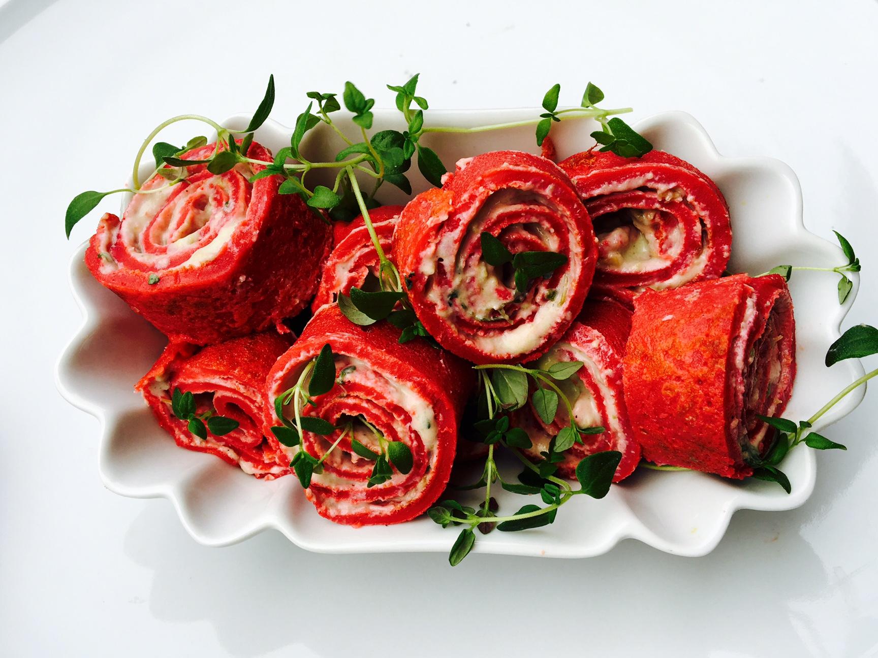 Lovecakes - Rote Beete Pfannkuchen mit Frischkäsefüllung