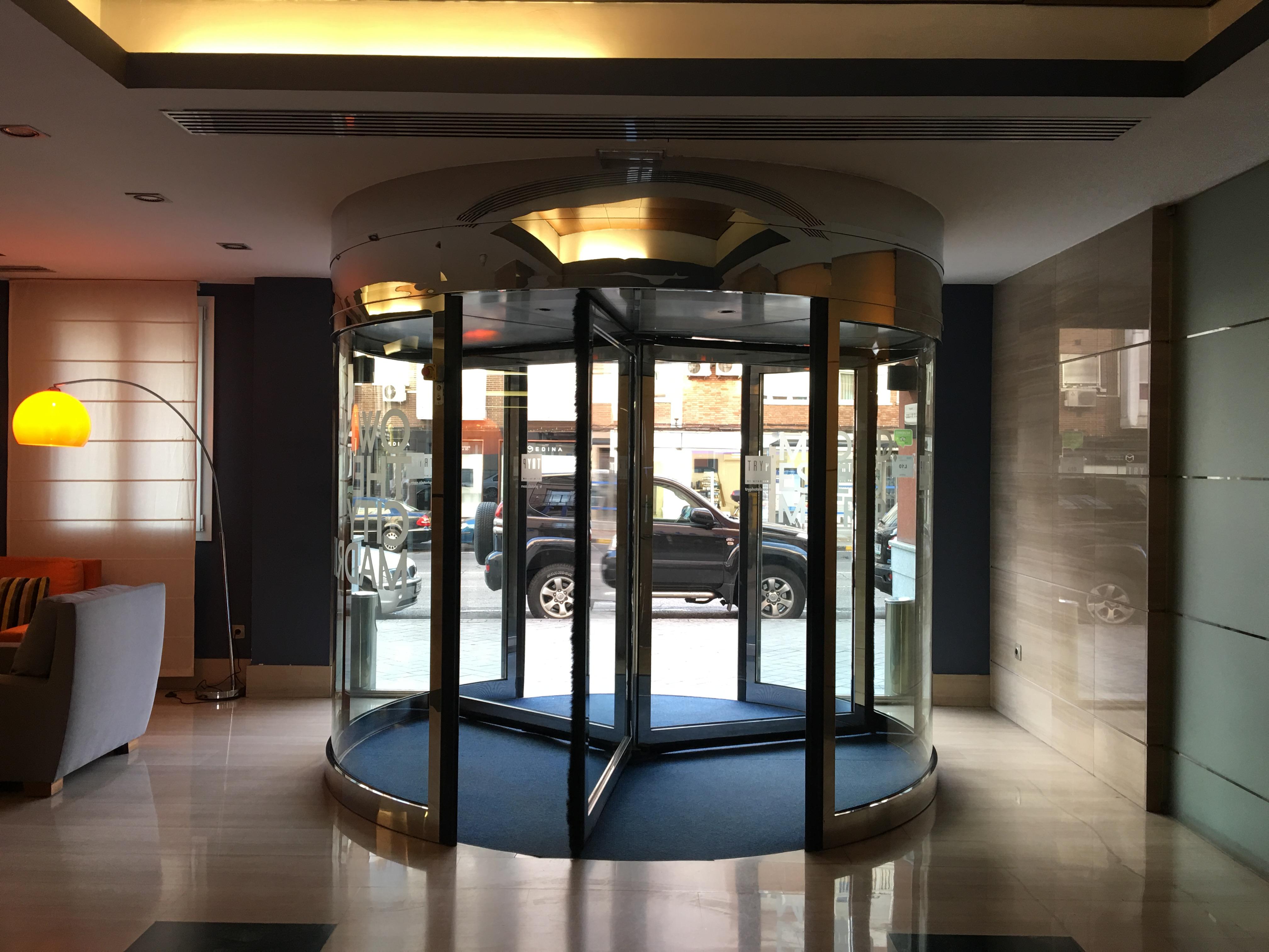 Tryp Hotel Alcala 611 Madrid Hoteleingang