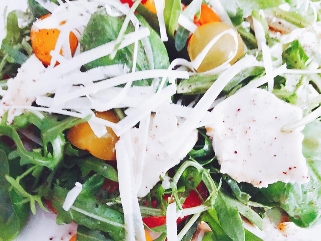 Rucola Salat mit Kirschtomaten
