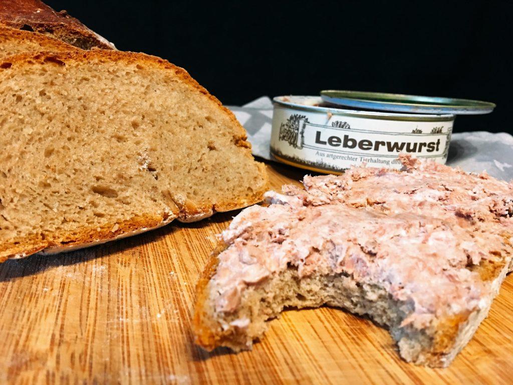 Kartoffelbrot mit Leberwurst